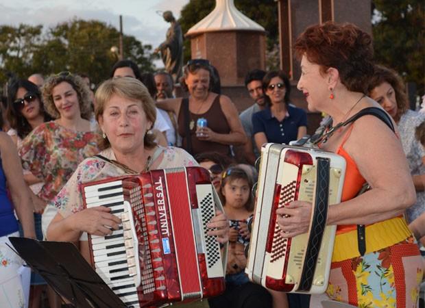 Serenata da família Tiso fecha a programação diurna do Festival Música do Mundo em Três Pontas. (Foto: Samantha Silva / G1)