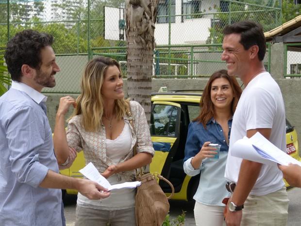 Caco, Flávia, Fernanda e Lombardi gravam juntos na zona Oeste (Foto: Salve Jorge/TV Globo)