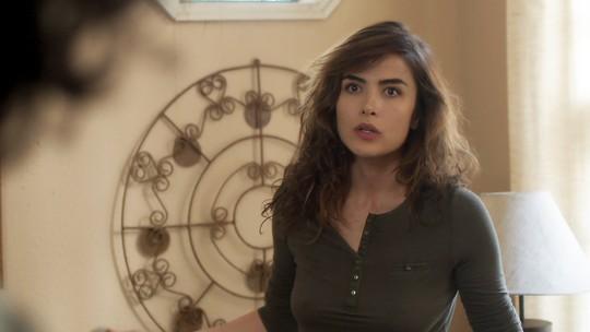 Rimena diz a Gustavo que vai engravidar para salvar seu casamento