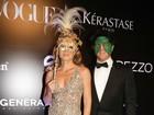 Luciano Huck encarna o Incrível Hulk em baile de carnaval com Angélica