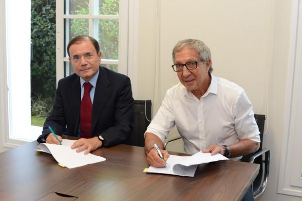 Jean Charles Naouri e Abilio Diniz fecham acerto financeiro para a saída do empresario brasileiro do Pão de Açúcar (Foto: Divulgação)