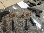 Dupla é flagrada com duas pistolas escondidas no carro em Barra do Piraí