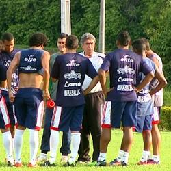 Luiz Carlos Ferreira, Ferreirão, técnico da Matonense (Foto: Marlon Tavoni/ EPTV)