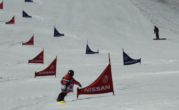 Keoni 4 anos slalom gigante snowboard (Foto: Thierry Gozzer)
