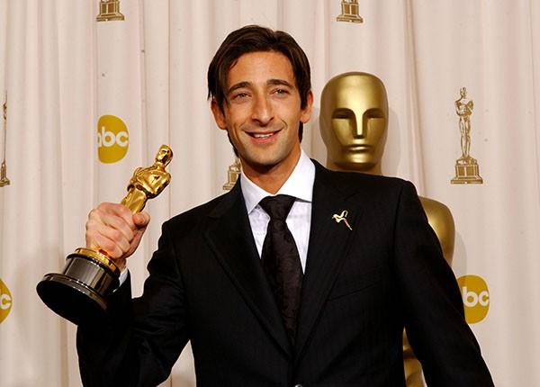 Adrien Brody na cerimônia do Oscar em 2003 (Foto: Getty Images)
