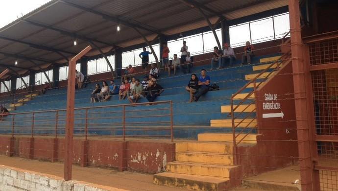 Torcida no estádio João Saldanha (Foto: Júnior Freitas)