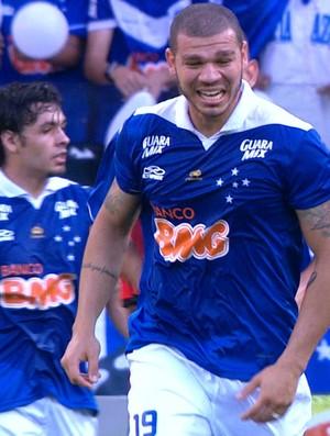 Nilton, volante do Cruzeiro (Foto: Reprodução / Premiere FC)