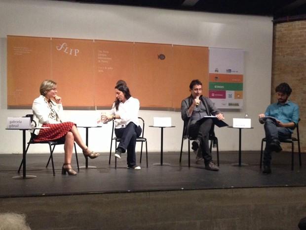 Gabriela Gibrail, Belita Cermelli, Mauro Munhoz e Paulo Werneck anunciam a programação da Flip 2015 (Foto: Cauê Muraro/G1)