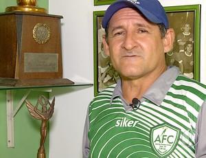 Carlos Gutemberg - Berguinho - técnico do Alecrim (Foto: Reprodução/Inter TV Cabugi)