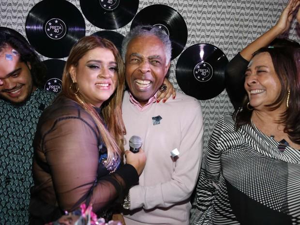 Preta Gil com o pai, Gilberto Gil, em seu aniversário no Rio (Foto: Felipe Panfili/ Ag. News)