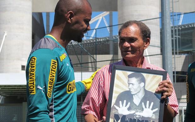 Jefferson e Manga goleiro Botafogo (Foto: Bernardo Eyng)