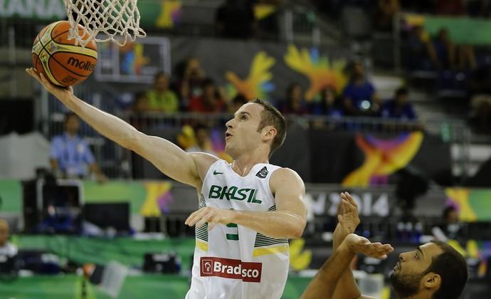 marcelinho huertas brasil x egito basquete (Foto: EFE)