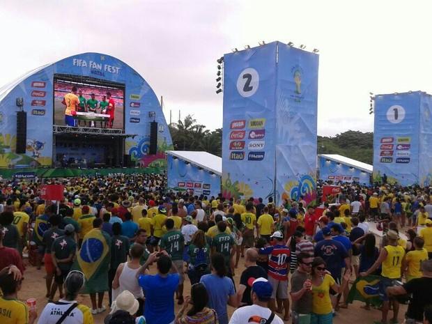 Natalenses foram até a Fifa Fan Fest para acompanhar o jogo do Brasil (Foto: Cinthia Macedo/G1)