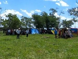 Fazenda foi invadida na última sexta-feira (25) por 110 famílias (Foto: Reprodução/TV Fronteira)