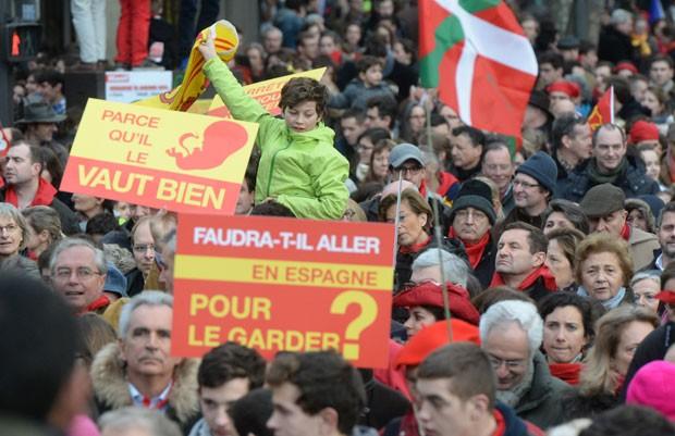 'Marcha pela vida' reuniu mais de 60 mil pessoas, segundo os organizadores do protesto (Foto: AFP)