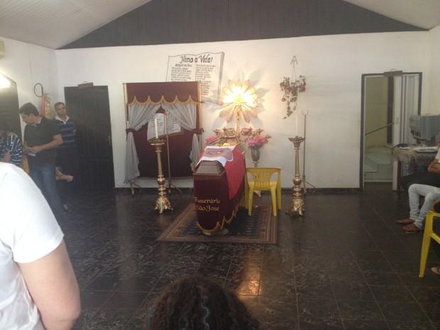 Corpo da jornalista será enterrado em Belem, no Pará (Foto: Cassio Albuquerque/G1)