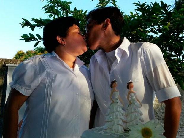 Lúcia Janaína Pinheiro e Francineide Moura casaram nesta sexta, em São José de Mipibu (Foto: Jorge Talmon/G1)