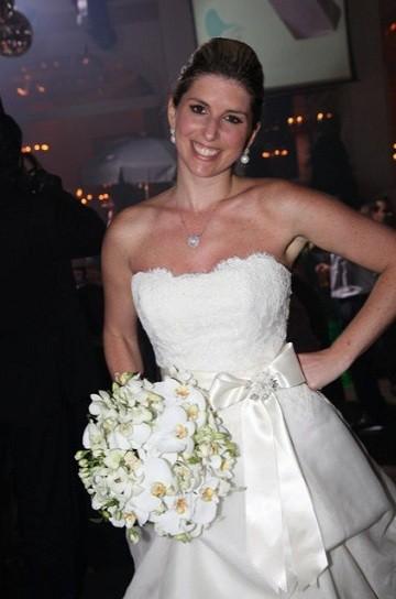 Mariana Nudelman Fraya em seu casamento; vestido foi comprado em Miami (Foto: Divulgação)