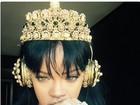 Rihanna posa ouvindo 'Anti', seu 8º disco; turnê começa em fevereiro