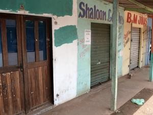 Vários empreendimentos foram fechados em Pedra Branca do Amapari (Foto: Abinoan Santiago/G1)