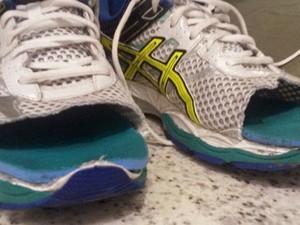 Márcio Villar cortou o tênis para ter mais conforto nos pés (Foto: Arquivo Pessoal)