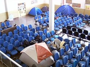 Ocupação na Câmara de Vereadores de Dourados, MS (Foto: Reprodução/TV Morena)