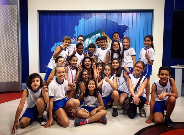 Alunos conheceram o estúdio da TV Integração (Foto: Divulgação)
