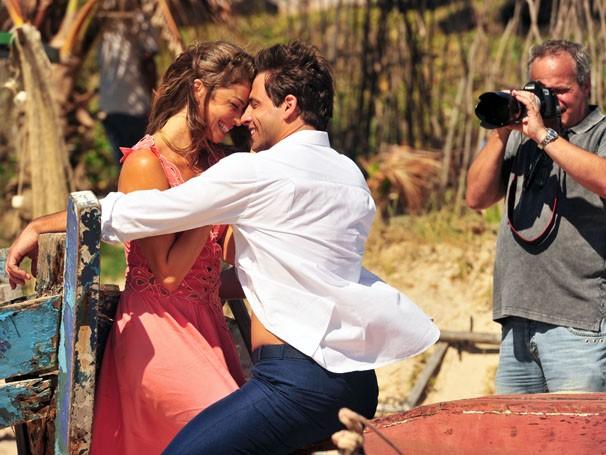 Grazi Massafera e Henri Castelli são os protagonistas da novela (Foto: João Miguel Júnior / Rede Globo)