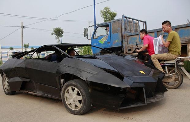 Veículo criado por Wang Jian alcança até 257 km/h. (Foto: Xihao/Reuters)