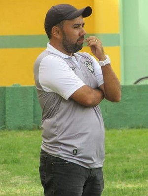 Cleiton Marcelino, técnico do Sub-20 do Rio Branco-ES (Foto: Thalisson Bandeira)