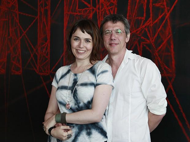 Carolina Kostcho e Bráulio Mantovani: parceria em casa e na televisão (Foto: A Teia / TV Globo)