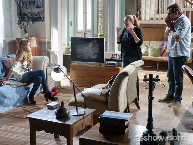 Sofia faz queixa de Sidney para Vera e Ronaldo (Foto: Malhação / TV Globo)