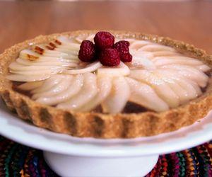Torta de pera com massa de aveia: receita da Bela Gil