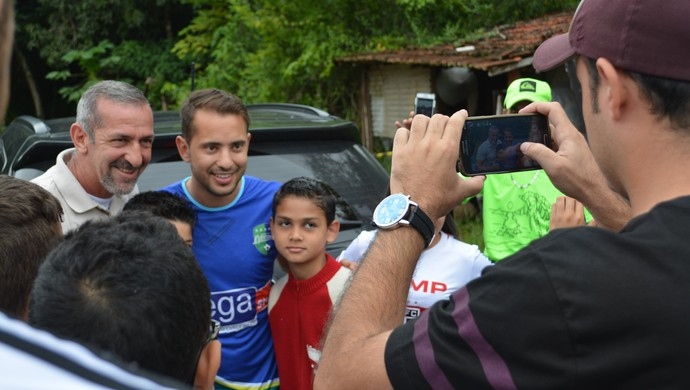 Éverton Ribeiro em Santa Isabel 2014 (Foto: Vitor Geron)