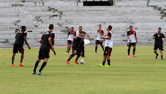 coletivo, treino, campinense (Foto: Junot Lacet Filho / Jornal da Paraíba)