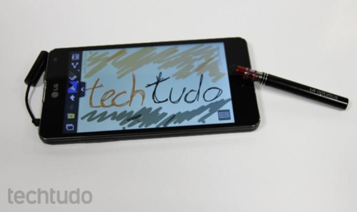"""LG Optimus G traz """"Quick Memo"""", que pode ser utilizado com canetinha (Foto: Elson de Souza/TechTudo)"""