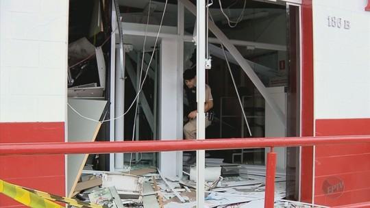 Quadrilha ataca bancos e explode caixas em Bueno Brandão, MG