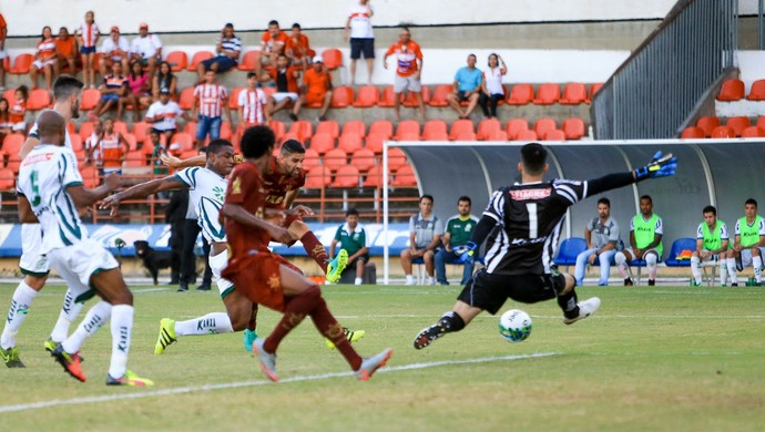 CRB x Luverdense, no Rei Pelé; Magrão gol (Foto: Ailton Cruz / Gazeta de Alagoas)