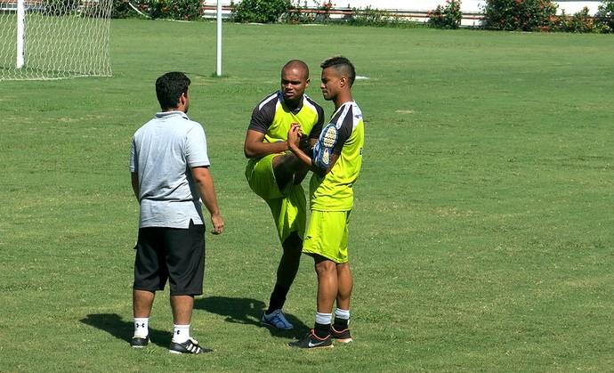 Anderson Salles e atacante Rafael Silva vasco treino (Foto: Raphael Zarko)