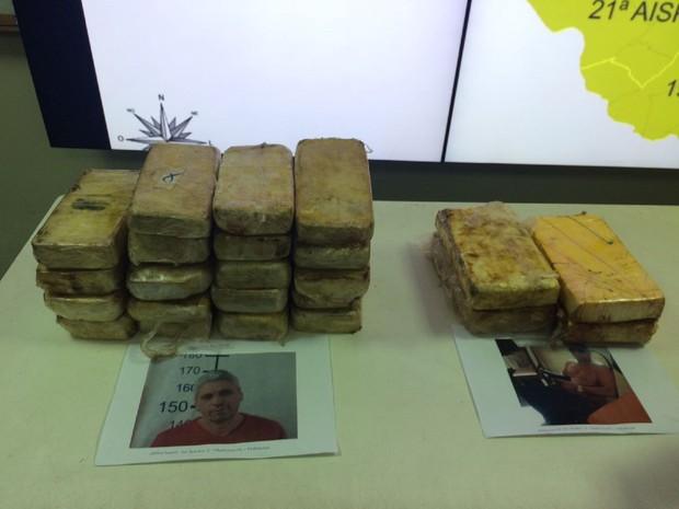 Droga apreendida está avaliada em R$ 700 mil, segundo a polícia (Foto: Michelle Farias/G1)