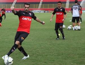 Juan e Escudero em treino do Vitória (Foto: Divulgação/ EC Vitória)