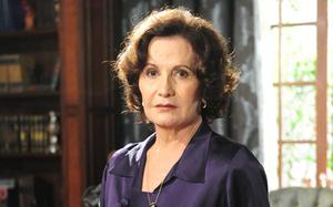 """Rosamaria Murtinho (Tia Magda) em """"O Astro"""" (2011)"""