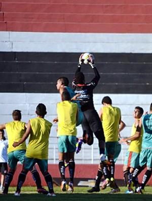 Tanaka mantém equipe que enfrentou o São Carlos na estreia da Copa Paulista (Foto: Rafael Martinez / Assessoria BFC)