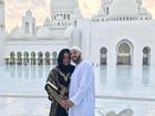 Gracyanne Barbosa e Belo surgem vestidos como árabes em viagem