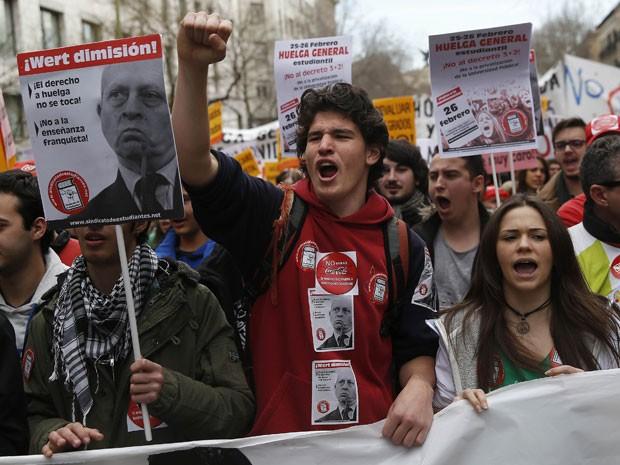Governo espanhol quer reduzir número de anos na graduação e pós (Foto: Andreas Comas/Reuters)