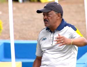 José Carlos Serrão, técnico do São Carlos (Foto: Adriano Ferreira/ EPTV)