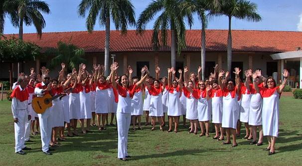 Coral da melhor idade Mestre Albertino conta compossui 42 idosos da baixada cuiabana com idades entre 55 a 92 anos. (Foto: TVCA)