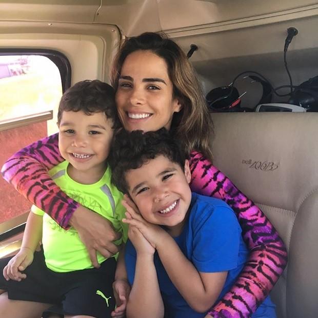 Wanessa Camargo com os filhos José Marcus e João Francisco (Foto: Reprodução/Instagram)