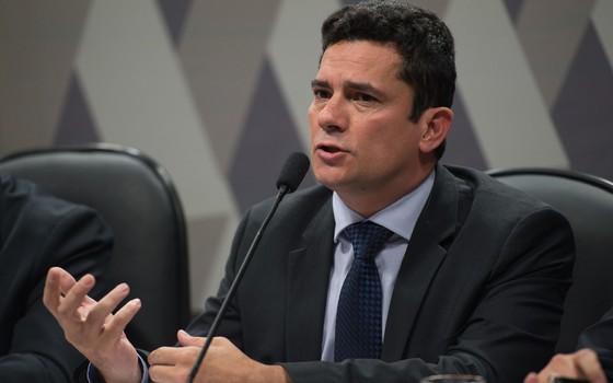 O juiz federal Sérgio Moro participa na Comissão de Constituição, Justiça e Cidadania (CCJ) do Senado de audiência pública sobre projeto que altera o Código de Processo Penal  (Foto: Fabio Rodrigues Pozzebom/Agência Brasil)