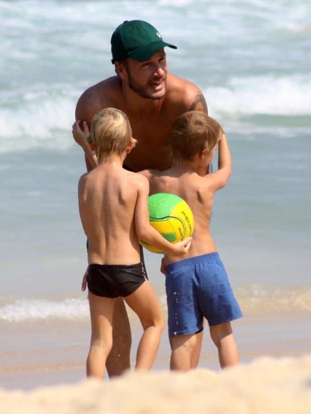 Rodrigo Hilbert Brinca com Filhos (Foto: J.Humberto/AgNews)